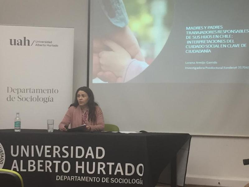 Investigadora del Centro CIELO UST realiza charla magistral en Universidad Alberto Hurtado