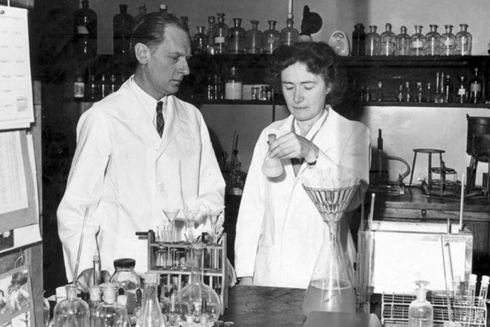 """El efecto """"Matilda"""" y la invisibilización de las mujeres en la academia y las ciencias"""
